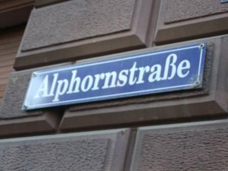 Alphorn lr - Freie Ganztagsbetreuungsplätze im Kinderladen Alphörnchen