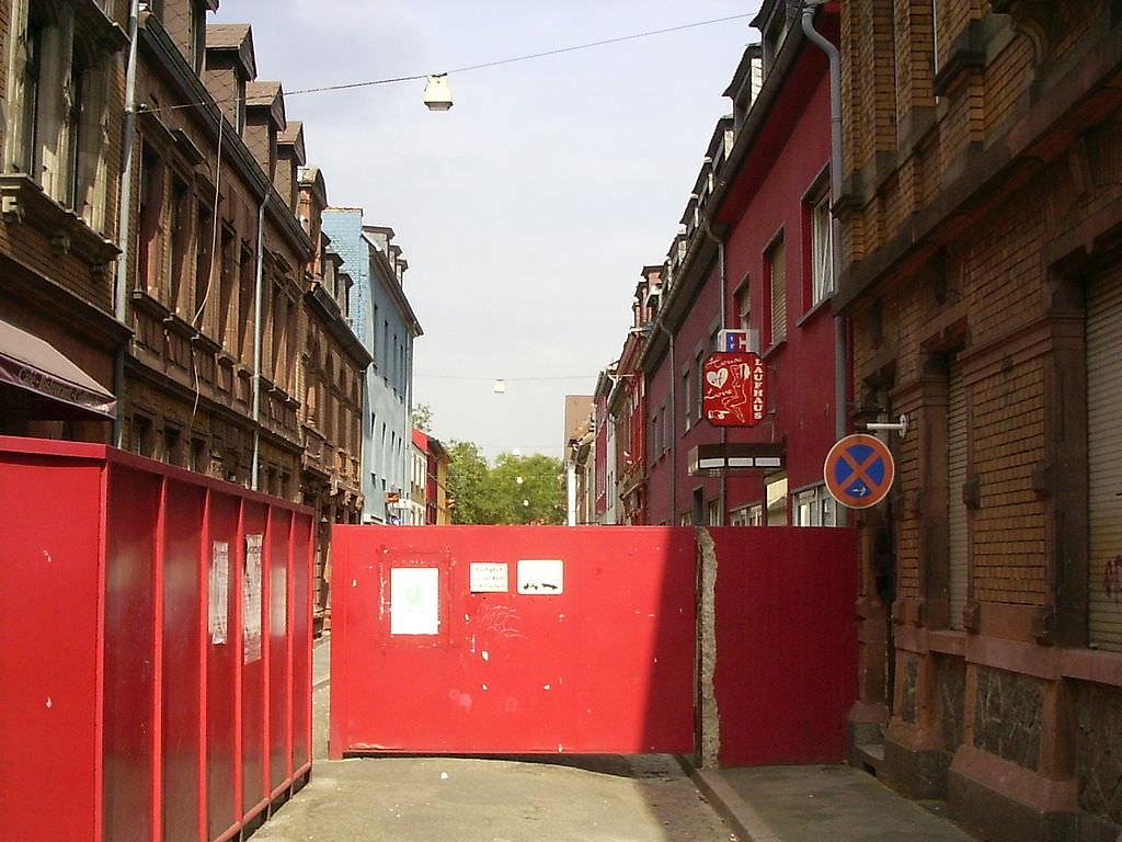 Der Eingang zur Lupinenstraße von der Mittelstraße aus gesehen | Foto: Public Domain, Wikimedia Commons