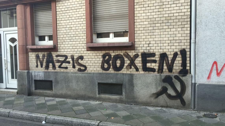 Auch letztes Jahr war in der Neckarstadt zum Bundesparteitag der rechten Partei durch Graffitis Widerstand gegen deren Ideologie ausgedrückt worden (Archivbild, November 2014) | Foto: M. Schülke