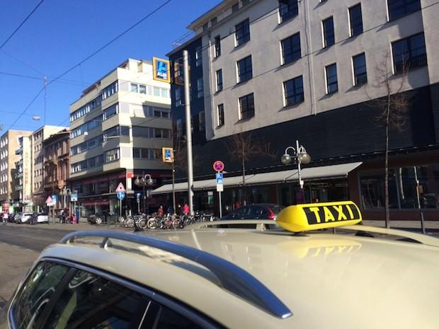 taxi 2 620x465 - Ab April wird Taxifahren in Mannheim deutlich teurer