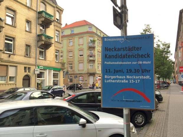 Die Plakate sind kaum zu übersehen – welche Kandidaten eingeladen sind, steht allerdings nicht dabei | Foto: Neckarstadtblog