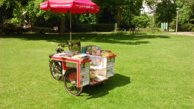 FaBio-haft zum Lesen im Park | Foto: Stadt Mannheim