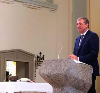 Oberbürgermeister Dr. Peter Kurz bei seinem Grußwort anlässlich des 100-jährigen Jubiläums der St. Bonifatius Kirche | Foto: Stadt Mannheim