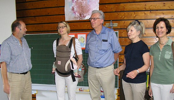 Bernhard Allgaier, Lena Kamrad, Reinhold Götz, Prof. Heidrun Kämper, Annette Nothaft im Gespräch (v.l.) | Foto: SPD Mannheim