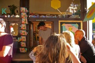 Am Kiosk Schlangestehen für gemischte Tüte und Limo | Foto: Neckarstadtblog