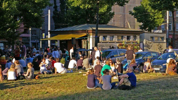 Nur ein kleiner Ausschnitt der beliebten Neumarkt-Wiese (Archivbild) | Foto: M. Schülke
