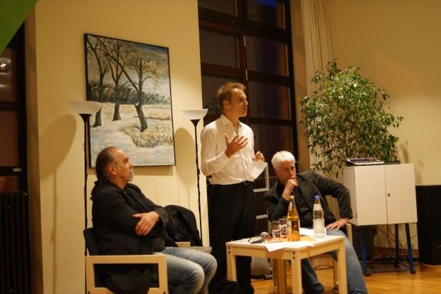 Stadtrat Gerhard Fontagnier, Bundestagsabgeordneter Dr. Gerhard Schick und Landtagsabgeordneter Wolfgang Raufelder stellen sich der Diskussion im Bürgerhaus | Foto: Wahlkreisbüro Dr. Gerhard Schick