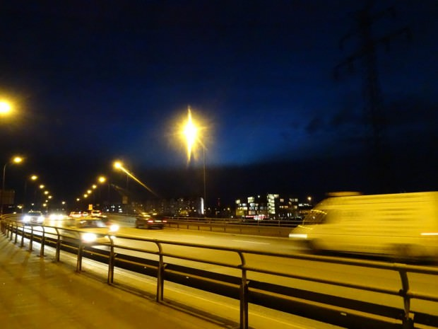 Die Jungbuschbrücke bei Nacht (Symbolfoto) | Foto: Cqma (cc by-sa 4.0) / via Wikimedia Commons