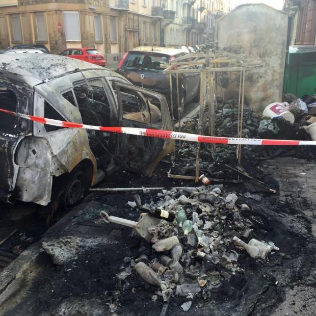 An der Straßenecke sieht es aus, als habe eine Bombe eingeschlagen | Foto: Lesereinsendung (T.M.)