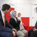 Bürgermeisterin Dr. Ulrike Freundlieb im Dialog mit Eltern