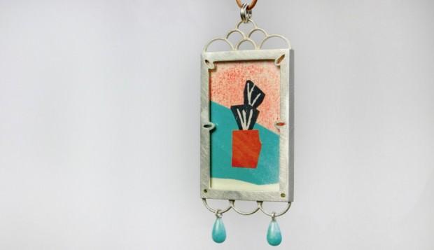 Ein Kunstwerk im kleinen Rahmen zum Umhängen | Foto: Pressefreigabe (Uhland Atelier)