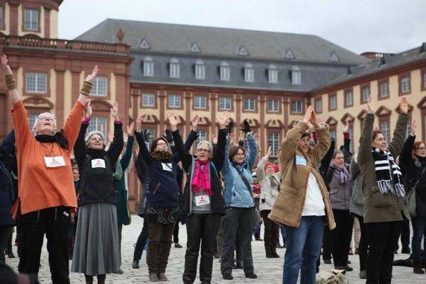 2014 wurde im Ehrenhof tanzend demonstriert | Foto: Stefanie Eichler