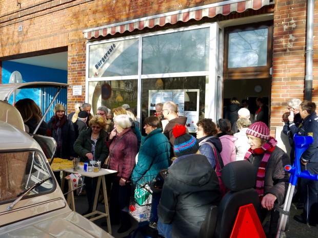 Großes Interesse löste die Eröffnung des neue Bürgercafés in Wohlgelegen aus | Foto: Neckarstadtblog