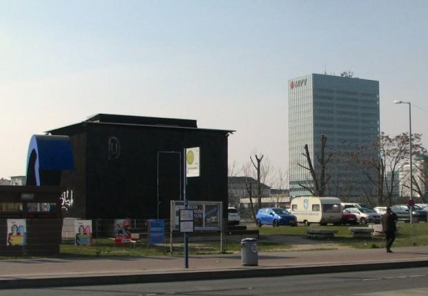 Ausgangspunkt und Begegnungsstätte ist das Festivalzentrum Einraumhaus (Archivbild) | Foto: Ruth Fanderl