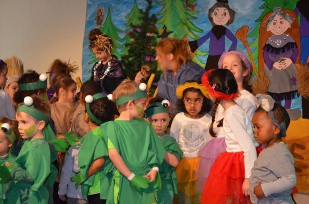 Tierisch Spaß hatten die kleinen Schauspieler/innen bei der Eröffnung des fünften Kindertheaterfestivals | Foto: Stadt Mannheim