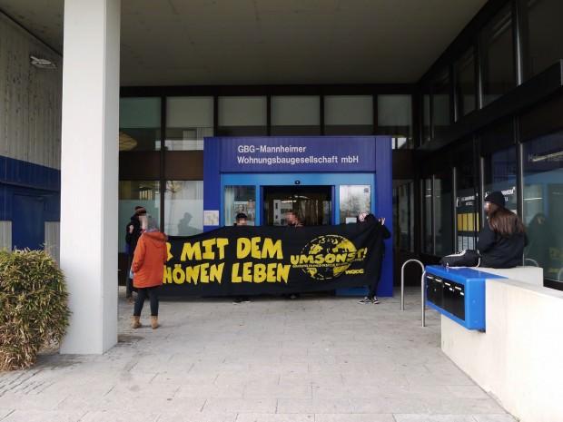 Machten auf den Verlust von 128 günstigen Wohnungen in Neckarstadt-Ost aufmerksam | Foto: Neckarstadtblog