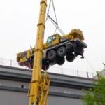 Wie kommt ein 35-Tonnen-Kran auf's Dach?