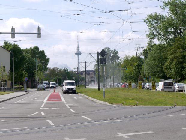 In der Hochuferstraße wird eine Haltestelle fertiggestellt | Foto: Neckarstadtblog