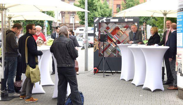 Pressekonferenz auf dem Neumarkt in Neckarstadt-West | Foto: Stadt Mannheim / Thomas Tröster