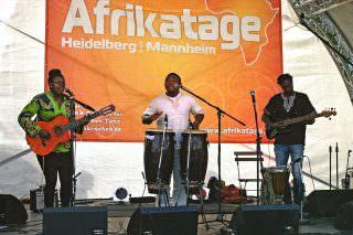 Afrikanische Rhythmen auf der Bühne | Foto: Neckarstadtblog