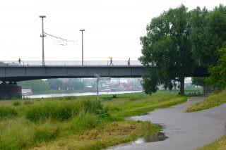 Unter der Kurpfalzbrücke haben Personen Zuflucht vor dem Regen gesucht, die im Fokus von Verdächtigungen stehen | Foto: M. Schülke