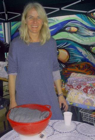 Strahlte über das ganze Gesicht: Ladenbesitzerin Sandra Messerschmid | Foto: Ruth Fanderl