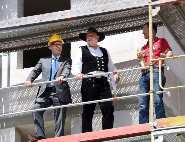 Bürgermeister Michael Grötsch beim Richtfest für das neue Betreute Wohnen auf Turley | Foto: Stadt Mannheim / Thomas Tröster