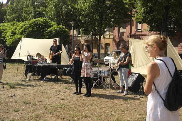 Musik-Welten auf dem sommerlichen Neumarkt | Foto: Pressefreigabe (Community Art Center Mannheim)