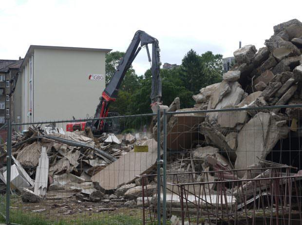 Für den ersten Wohnblock mit 32 Einheiten kommt jede Hilfe zu spät | Foto: Neckarstadtblog