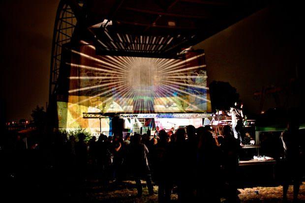 Auch dieses Jahr steht beim Brückenaward wieder Keith Pearson am Projektor (Archivbild) | Foto: Florian Köhler (cc-by 3.0)