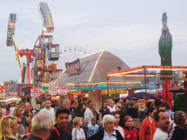 Die jährliche Oktobermess auf dem Neuen Messplatz | Foto: Stadt Mannheim