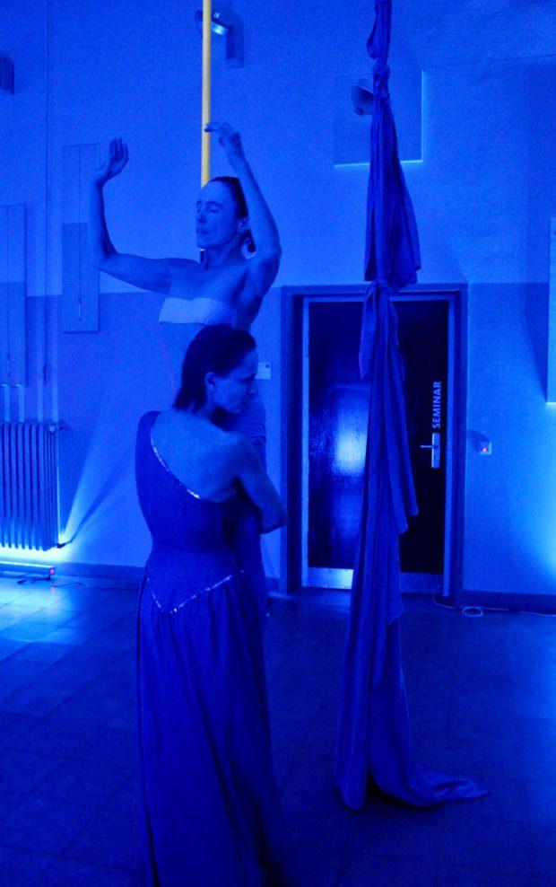 Eröffnungsperformance im Alten Volksbad | Foto: Ruth Fanderl