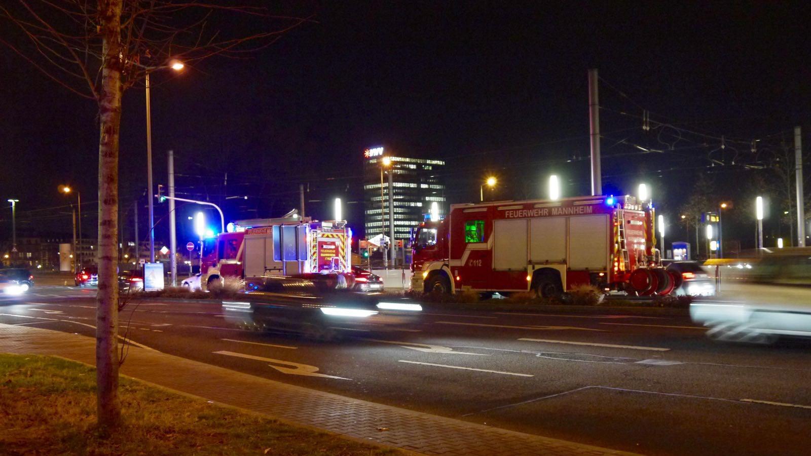 Fahrzeuge der Feuerwehr in der Brückenstraße (Archivbild 2016) | Foto: M. Schülke