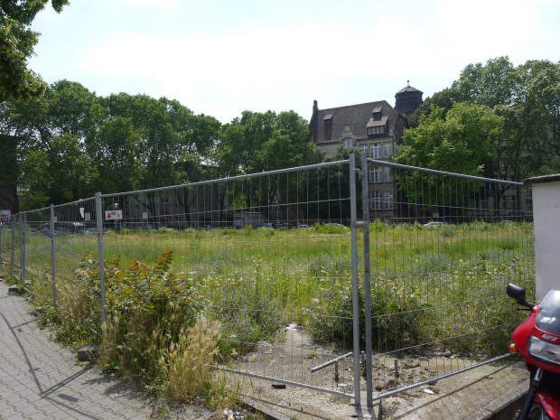 Das ehemalige Tankstellengelände vergammelt seit neun Jahren (Archivbild) | Foto: Neckarstadtblog