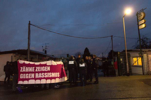 Kundgebung des Offenen Antifa Treffen vor dem Kleintierzüchterverein   Foto: CKI