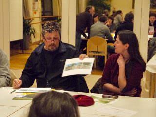 Die Kreativen präsentierten ihre Vorschläge auch mit mitgebrachten Beispielen aus anderen Städten | Foto: M. Schülke
