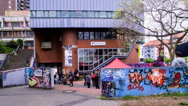 Im Jugendkulturzentrum forum trafen sich wieder einmal Buchbegeisterte und Anarchisten zum Austausch über Politik und Leben   Foto: Isabel Dehmelt