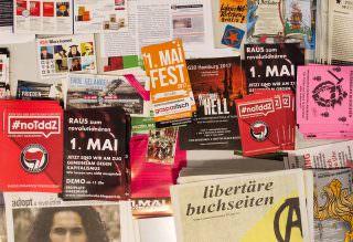 Vom Flyer über informative Reader bis zur gebundenen Ausgabe gab es viel Gedrucktes | Foto: Isabel Dehmelt