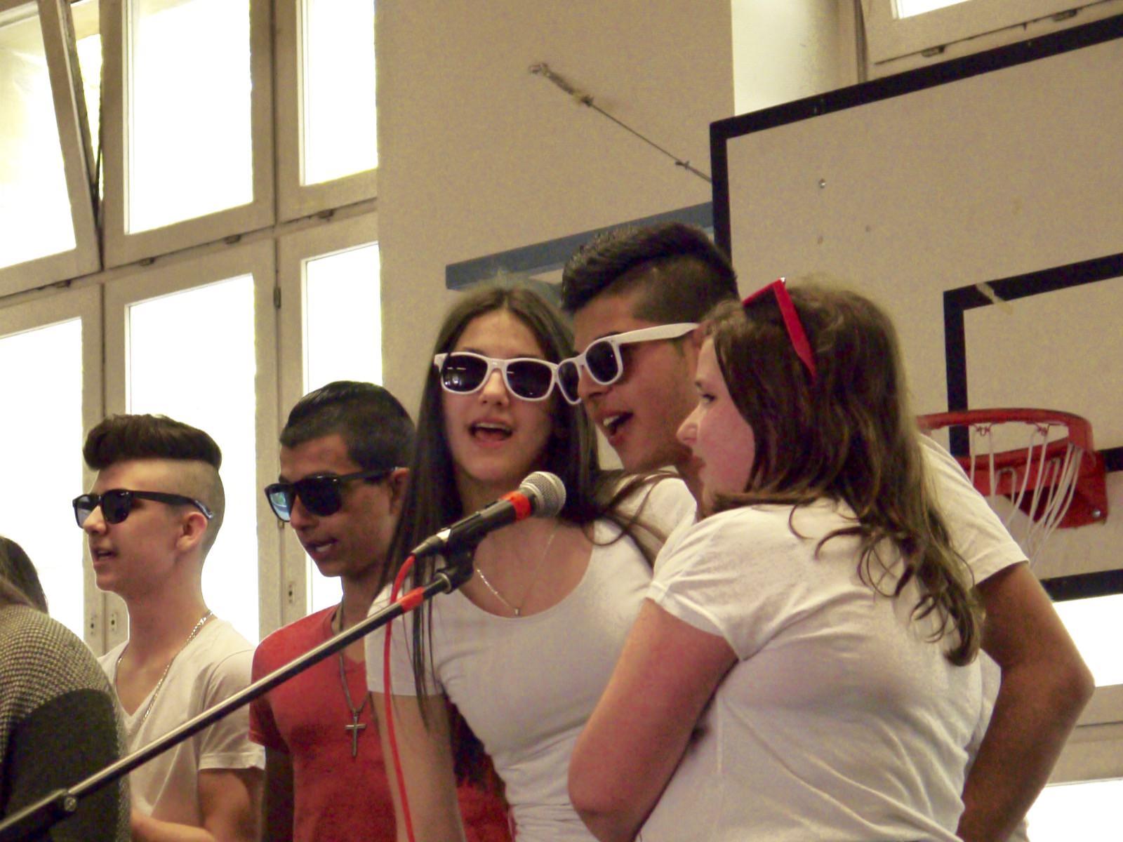 Musik funktioniert bei den Vorbereitungsklassen als universelle Sprache, mit der sich die Neuankömmlinge nicht nur beim Schulfest Gehör verschaffen | Foto: M. Schülke