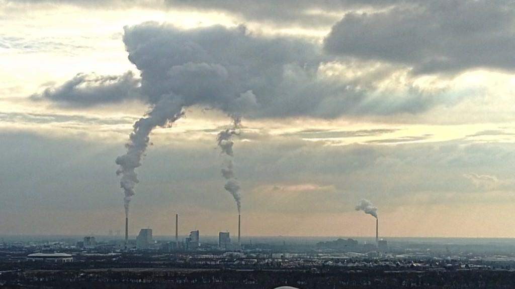 Das Großkraftwerk Mannheim im Februar 2017, knapp zwei Jahre nach der Inbetriebnahme von Block 9 (links, dann folgen Block 8,7 und rechts 6) | Foto: privat
