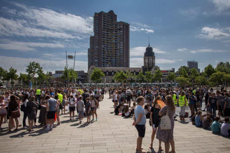 Schülerinnen und Schüler für Toleranz auf dem Alten Messplatz | Foto: CKI