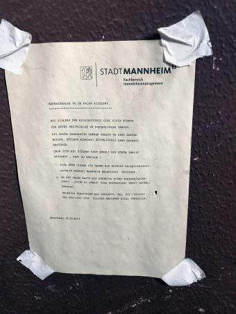In schlechtem Türkisch (wie uns gesagt wurde) richtete die Stadtverwaltung ihren Appell 2011 an die Bewohner der Hafenstraße 66 | Foto: Lesereinsendung