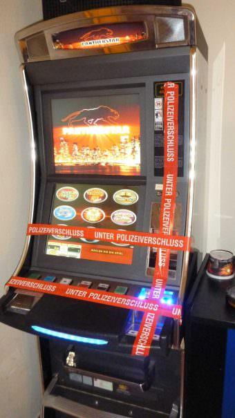 Im Rahmen der Kontrolle wurden insgesamt vier Geldspielautomaten stillgelegt | Foto: Stadt Mannheim