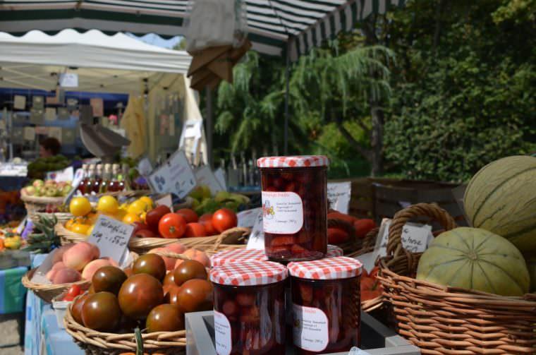 Ans Eingemachte geht es beim Handwerker- und Bauernmarkt im Herzogenriedpark | Foto: Stadtpark Mannheim gGmbH