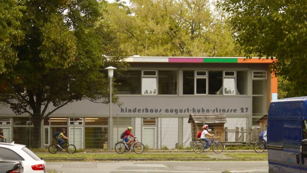 Offensichtlich ist das Kinderhaus nicht das einzige Ziel der Beschädigungen   Foto: M. Schülke