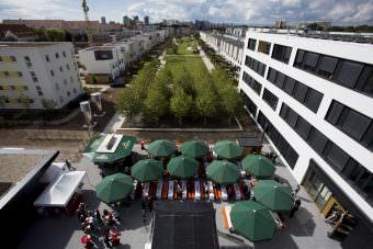 Bei der Einweihung des neuen GBG-Verwaltungsgebäudes 2017 | Foto: Nikola Neven Haubner
