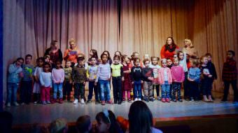 Die Kinder der Evangelischen KiTa Panama und des Katholischen ElKiZ St. Bonifatius sangen zur Einstimmung gemeinsam im Chor | Foto: M. Schülke