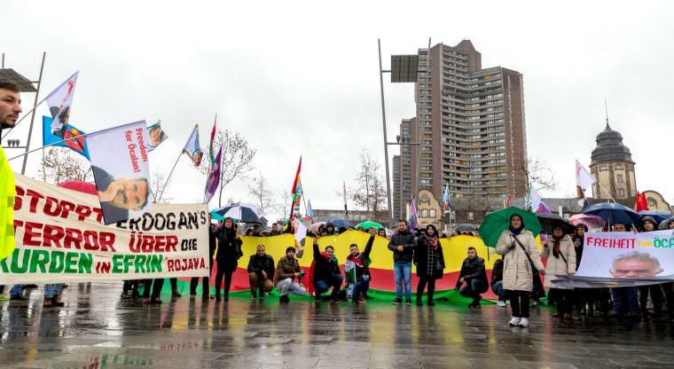 Solidarität mit den Kurden in Nordsyrien auf dem Alten Messplatz | Foto: CKI