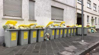 In der Neckarstadt ändert sich nichts. Hier werden die Gelben Tonnen ohnehin von der städtischen Abfallwirtschaft abgeholt   Foto: B.K.