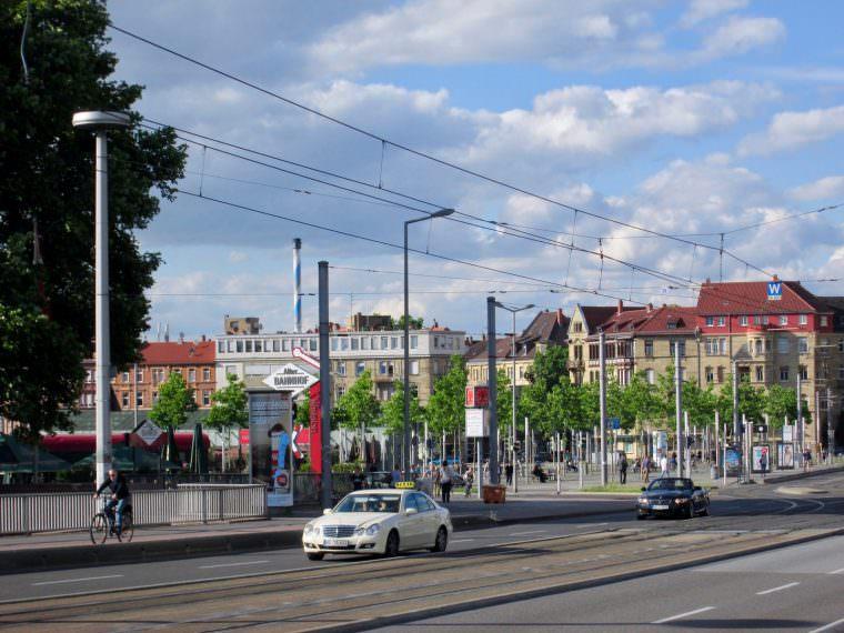 alter bahnhof kurpfalzbruecke alter messplatz 760x570 - Radfahrer von Auto erfasst und schwer verletzt